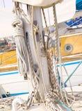 Mast eines Segelboots Stockfotografie