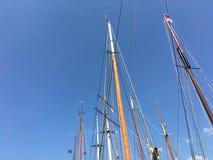 Mast från segelbåtar Royaltyfri Fotografi