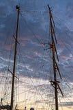 Mast mit Seilen Lizenzfreies Stockbild