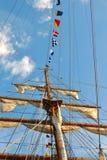 Mast och flaggor Arkivbild