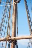 Mast, Optuigen en Kabels van oude varende boot Stock Fotografie