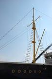 Mast van Oud Historisch Schip in Haven Royalty-vrije Stock Fotografie