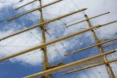 Maste und Takelung eines Segelschiffs Lizenzfreies Stockfoto