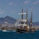 2 masted ветрило высокорослого корабля шхуны полное Стоковая Фотография