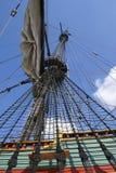Masten met zeilen op een groot varend schip Royalty-vrije Stock Foto