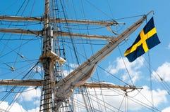 Masten van het oude varende schip op hemelachtergrond Royalty-vrije Stock Afbeelding