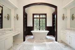 Master bath with arched tub area Stock Photography