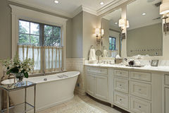 Master bath with marble counter Royalty Free Stock Photography