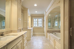 Master bath with mirrored tub Royalty Free Stock Image
