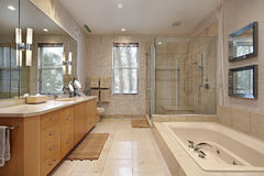 Master bath with oak wood cabinetry Stock Photography