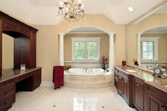 Master bath with tub columns Royalty Free Stock Photography