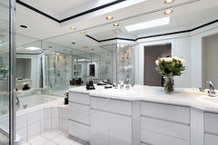 Master bath with white cabinetry Royalty Free Stock Photo
