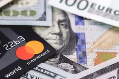Master Card y dinero fotografía de archivo libre de regalías