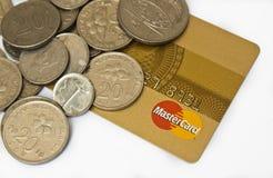 Mastercard e dinheiro Fotos de Stock Royalty Free