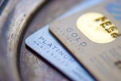 Mastercard-Goud, Platinacreditcard stock foto