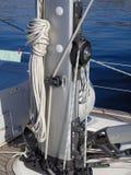Mastfuß eines Segelboots Stockfotografie