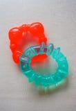 Masticación de los juguetes Imagen de archivo