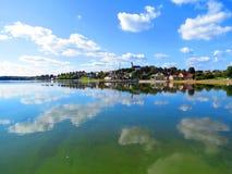 Mastis sjö i den Telsiai staden, Litauen Royaltyfria Foton