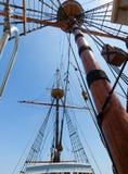 mastrigging seglar högväxt sikt för ship Royaltyfria Bilder
