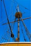Mastro, cordas e engrenagem Fotos de Stock Royalty Free