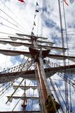 Mastro principal no navio de pirata imagens de stock