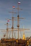 Mastros de madeira de um navio velho Fotografia de Stock