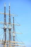 Mastros e corda do navio de navigação. Imagens de Stock