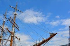 Mastros e curva do navio Imagem de Stock