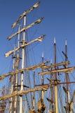 Masts på flera högväxt ships Arkivfoto