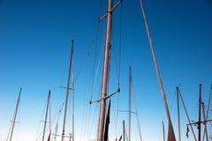 masts segelbåtar Fotografering för Bildbyråer