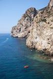 Masuas Seestapel täglich und einige Boote in der Sommerzeit (Sardinien-ICh Lizenzfreies Stockbild