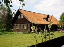 masurian altes Bauernhaus Stockbilder