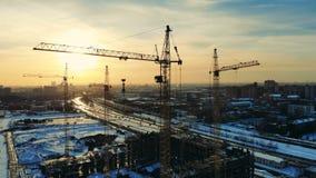 Masywni budynków żurawie w projekta miejscu zdjęcie wideo