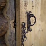 Masywny łańcuch na drzwi obraz stock