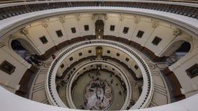 MASZERUJE 3, 2018, TEKSAS stanu CAPITOL, AUSTIN TEKSAS - Przyglądający wśrodku kopuły Teksas stan up ImageDomeGulf, stan fotografia stock