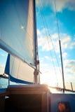 Masztowy jacht przy zmierzchem Zdjęcie Royalty Free