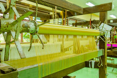Maszynowy wyplatający jedwab który jest rzadki w Azja Zdjęcie Royalty Free