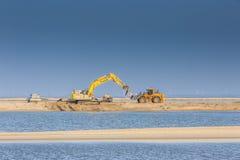 Maszyny ciężkie dla budowy markiera Wadden wyspy Zdjęcia Stock