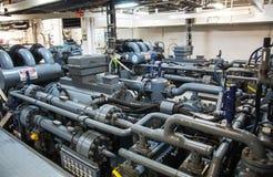 Maszyny ciężkie na pokładzie przemysłowego statku Zdjęcia Stock