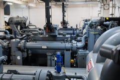 Maszyny ciężkie na pokładzie przemysłowego statku Zdjęcia Royalty Free
