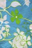 Matériau de coton avec des configurations de lame et de fleur. Image libre de droits