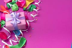 Matériaux décoratifs de composition en fond de fête pour la célébration et la décoration Photo libre de droits
