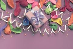 Matériaux décoratifs de composition en fond de fête pour la célébration et la décoration Photo stock