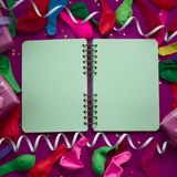 Matériaux décoratifs de composition en fond de fête pour la célébration et la décoration Image stock