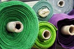 Matériaux de Colorfull sur des petits pains photo stock