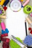 Matériaux et outils pour la couture photos stock