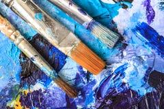 Matériel artistique Brosses et peintures pour le dessin Articles pour la créativité du ` s d'enfants photos stock