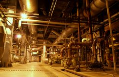 Matériel, câbles, machines et tuyauterie Photo stock