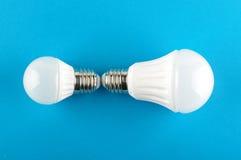 Matériel d'éclairage de LED d'isolement sur le fond bleu Photo stock