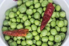 Matériel d'aliment biologique, pois végétaux photographie stock libre de droits